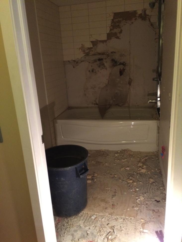 Salle de bain masculin avant